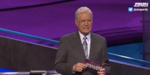 Sign1News anchor Jethro Wooddall - Alex Trebek chokes up at 'Jeopardy' answer (ASL - 11.14.19)